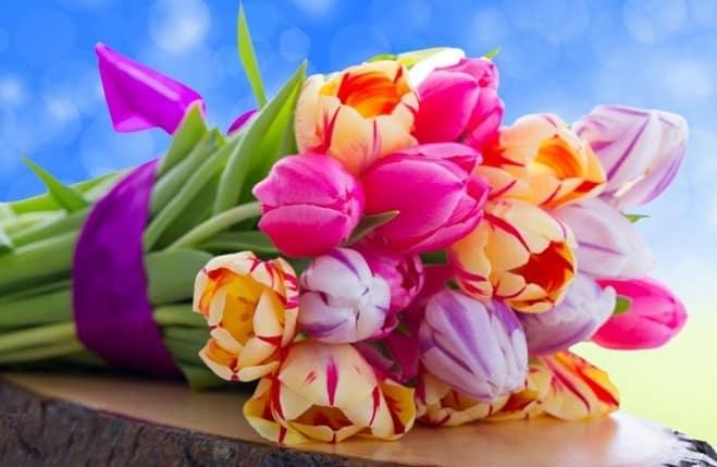 flori 8 martie