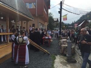 deschdere centru info turistica albac 2015