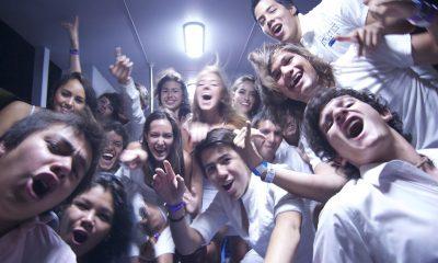 tineri, adolescenti