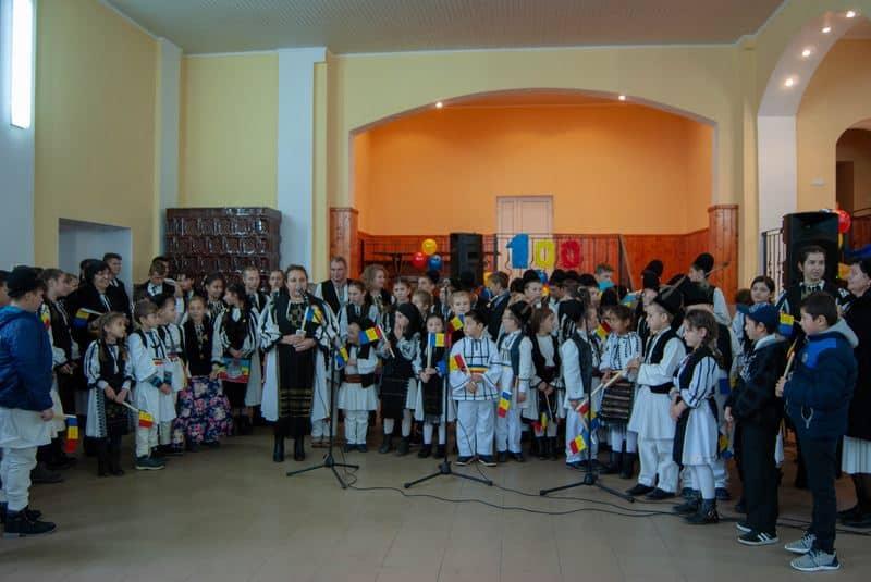 elevi scoala loman