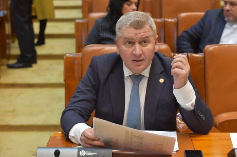 Amendamentul Florin Roman produce efecte: Numărul beneficiarilor de ajutor social a scăzut cu peste 21.000