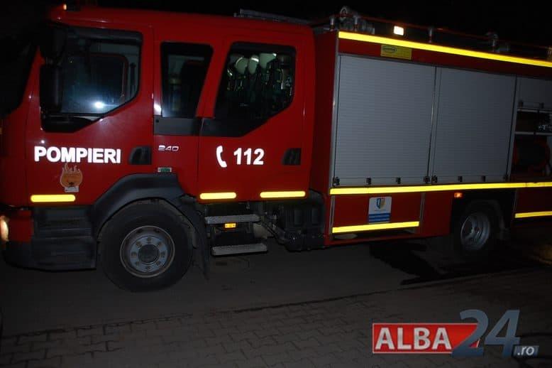 pompieri-isu-incendiu-noaptea_3-e1540839254587