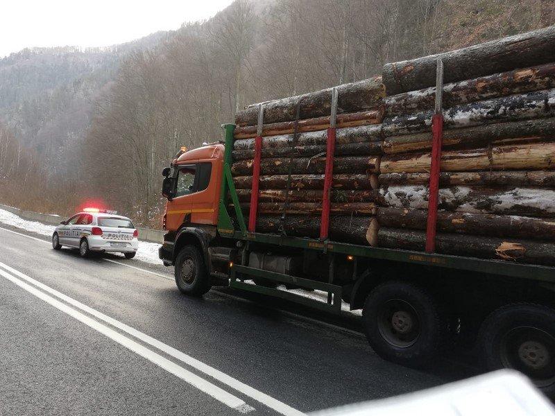 lemne masina politia