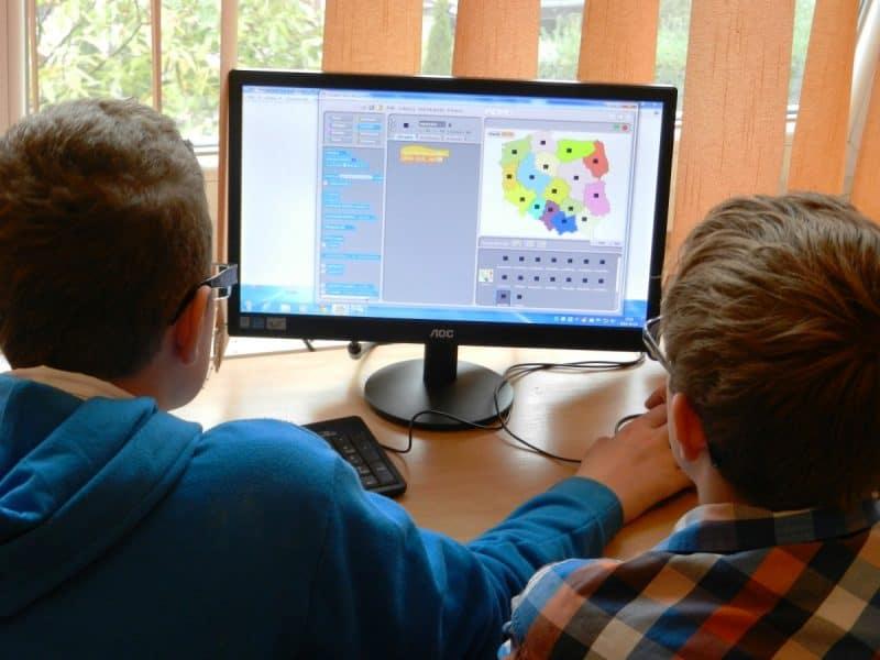 copii studenti elevi calculator
