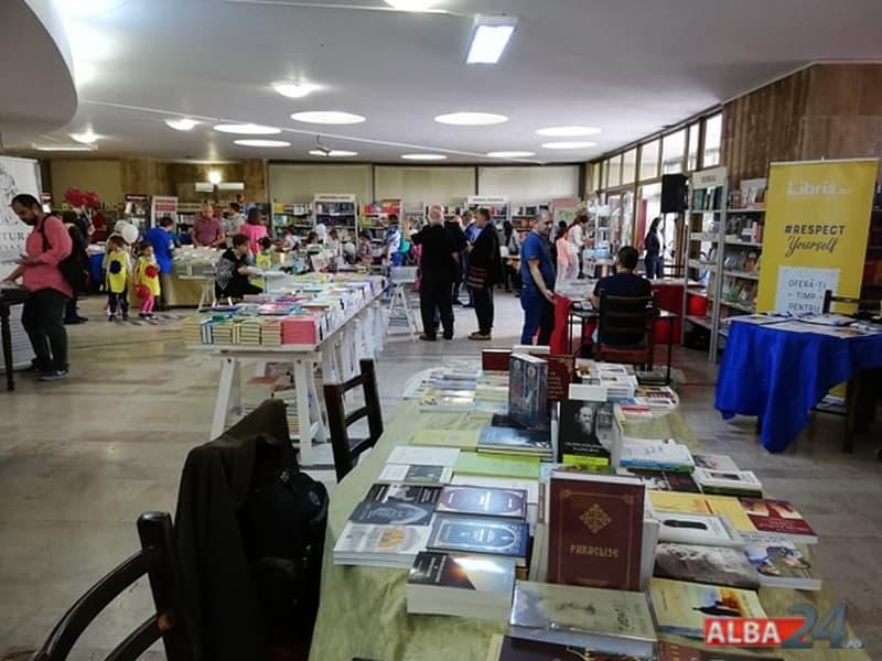 targul de carte alba transilvana 2019 Alba Iulia
