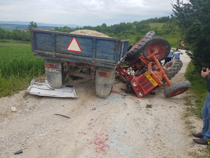 accident tractor