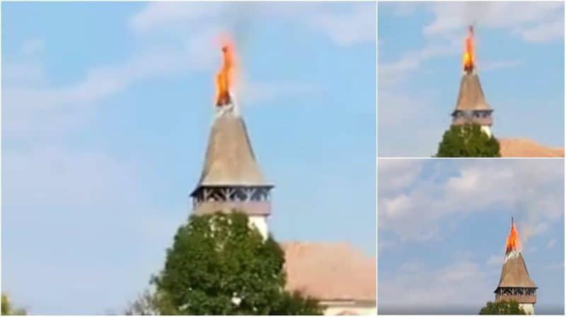 Lángol a betlenszentmiklósi unitárius templom tornya