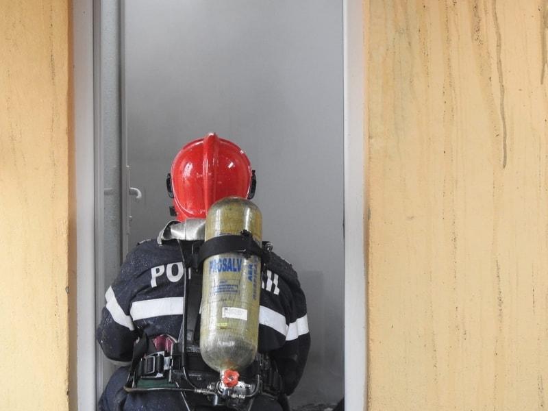 pompieri, isu, incendiu, pompier