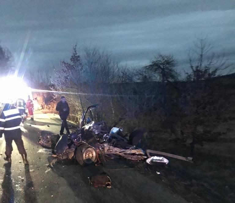 FOTO/VIDEO Accident GROAZNIC în Sibiu: Trei tineri morți, altul în stare gravă și două mașini facute praf