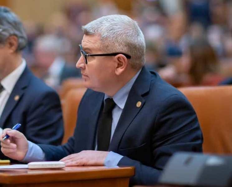 """Florin Roman, liderul deputaților PNL: """"CCR a dat o decizie scrisă în sediul PSD"""""""